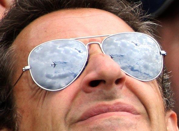 Les odieuses Ray Ban de Nicolas Sarkozy