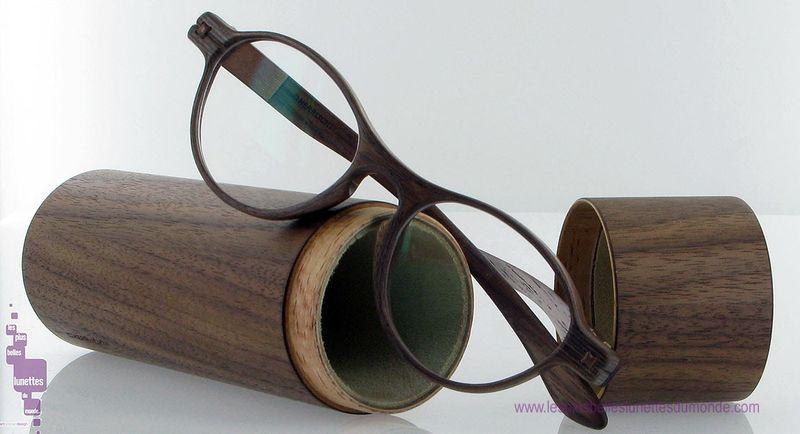 Lunettes en bois Herrlicht sur le blog de lunettes du meilleur opticien de Paris