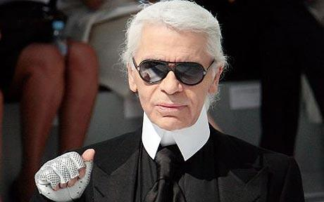 Karl-Lagerfeld me fait coucou à moi Boubou !!!