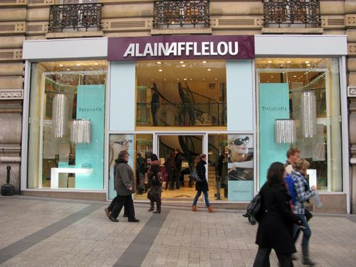 02_Vitrine Alain Afflelou des Champs Elysees Noel 2008