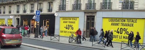 11_Adidas a moins 40 pour cent rue de rivoli Noel 2008